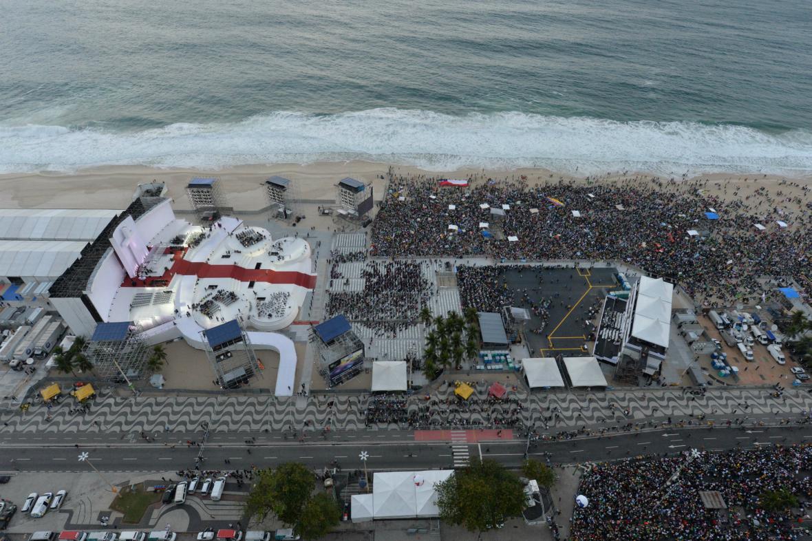 Světové dny mládeže na pláži Copacabana