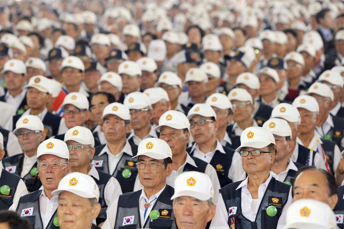 Jihokorejští veteráni si připomněli 60. výročí konce války