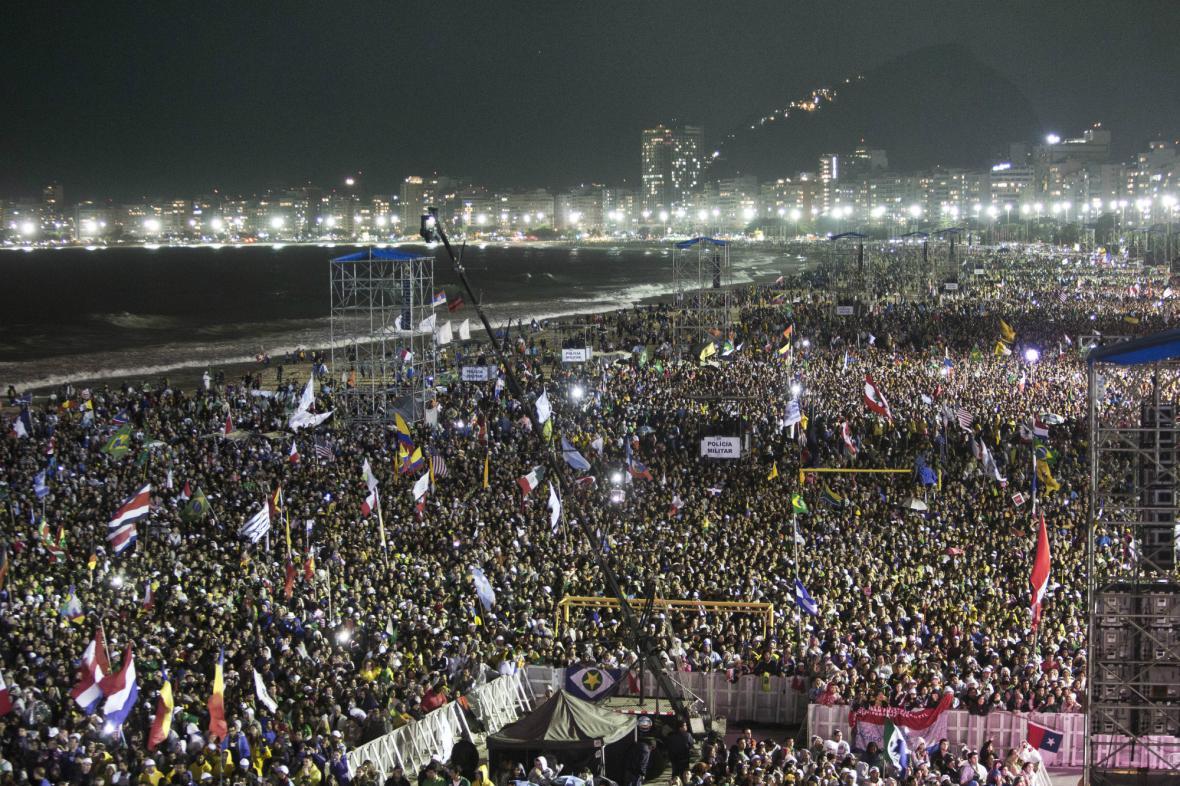 Za Františkem přišlo na Copacabanu milion lidí