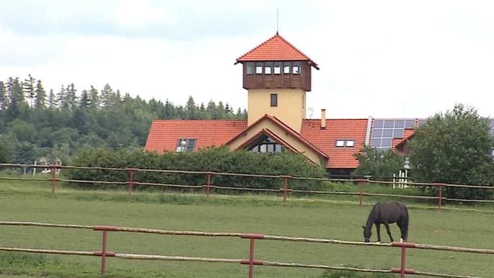 Účetní majetek farmy je asi čtyřicet milionů korun