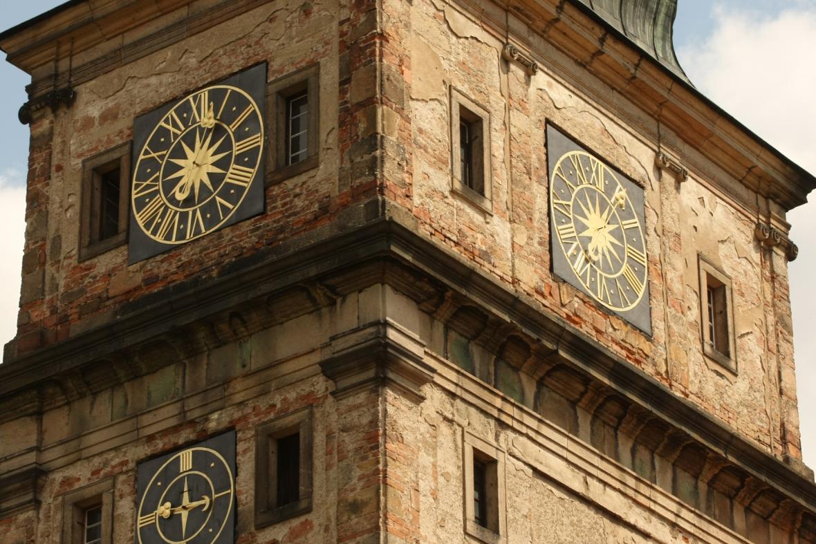 Barokní sýpka a hodinová věž, klášter Plasy