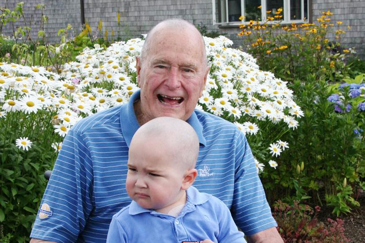 George Bush s dvouletým Patrickem