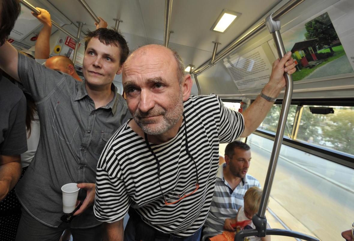 Zdeněk Lhotský v olomoucké pojízdné galerii