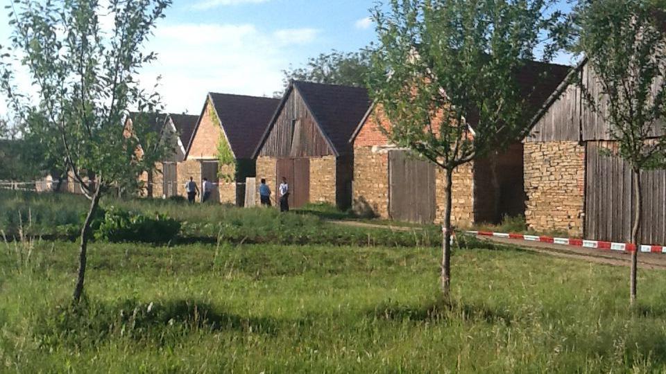 Munice vybuchla v jedné ze stodol