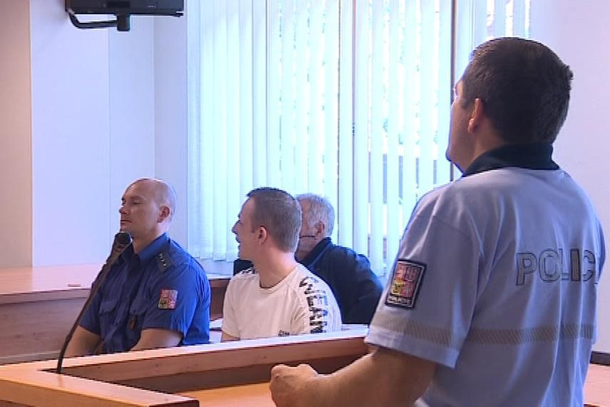 U soudu dnes vypovídali policisté, kteří řidiče pronásledovali