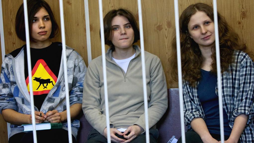 Pussy Riot za mřížemi