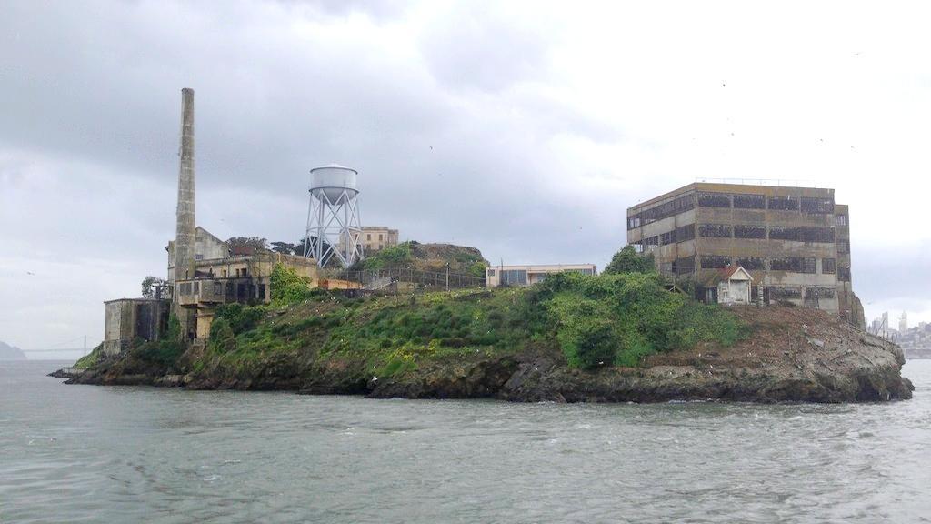 Zlověstný a nevlídný Alcatraz