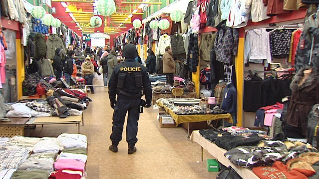 Celníci zabavili v Brně padělané zboží