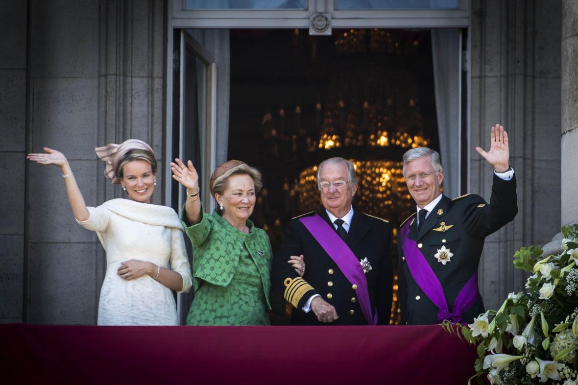 Královna Mathilda, královna Paola, král Albert II. a Phillippe