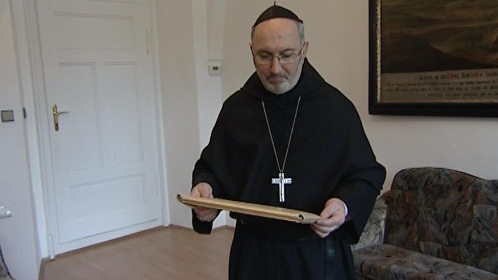 Opat Lukáš Evžen Martinec s unikátním spisem