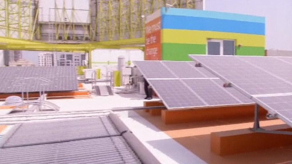 Střecha nejekologičtější budovy světa v Dubaji
