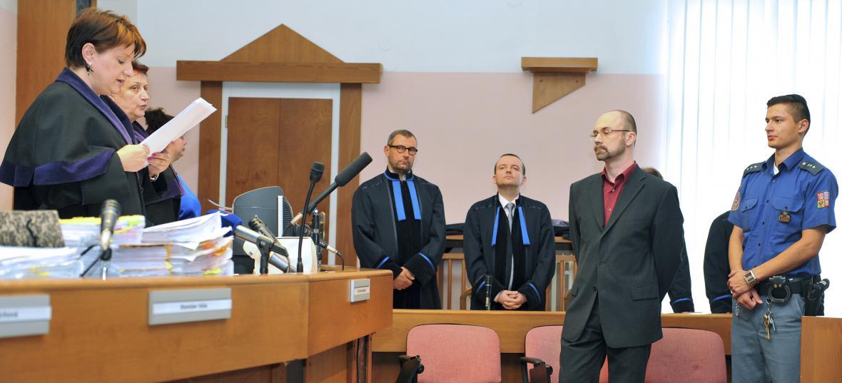 Bývalý výkonný ředitel společnosti Central Group Aleš Novotný u Městského soudu v Praze