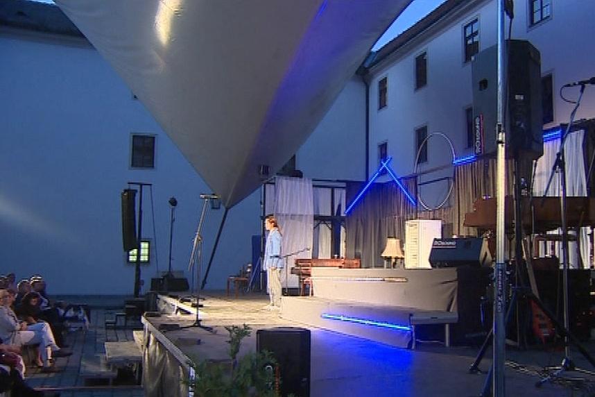 Představení se konají na nádvoří hradu Špilberk