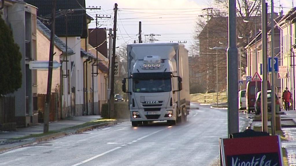 Kamionová doprava v obci