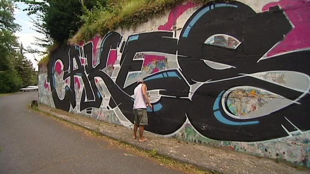 Jan Kaláb tvoří tzv. graffiti cakes