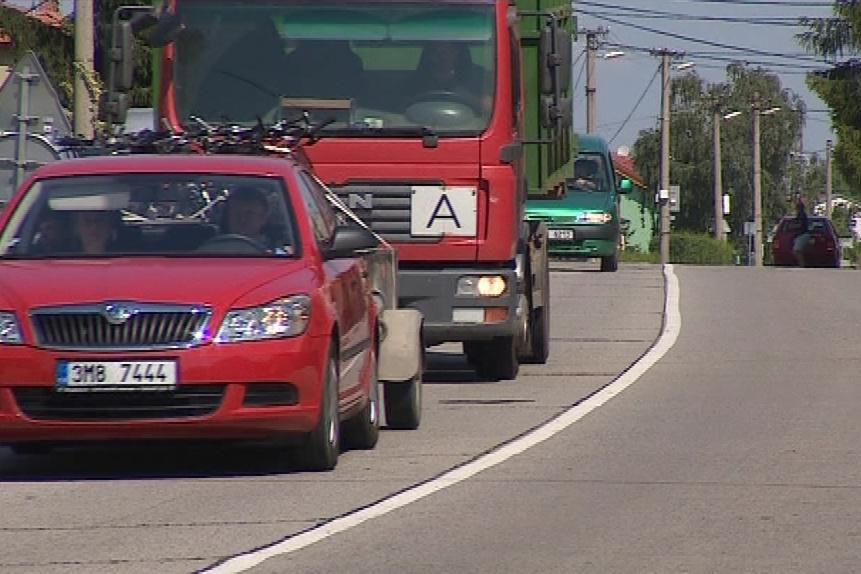Obce podél dálnic trápí nadměrná doprava