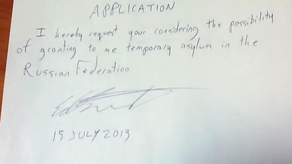 Snowdenova žádost o dočasný azyl v Rusku