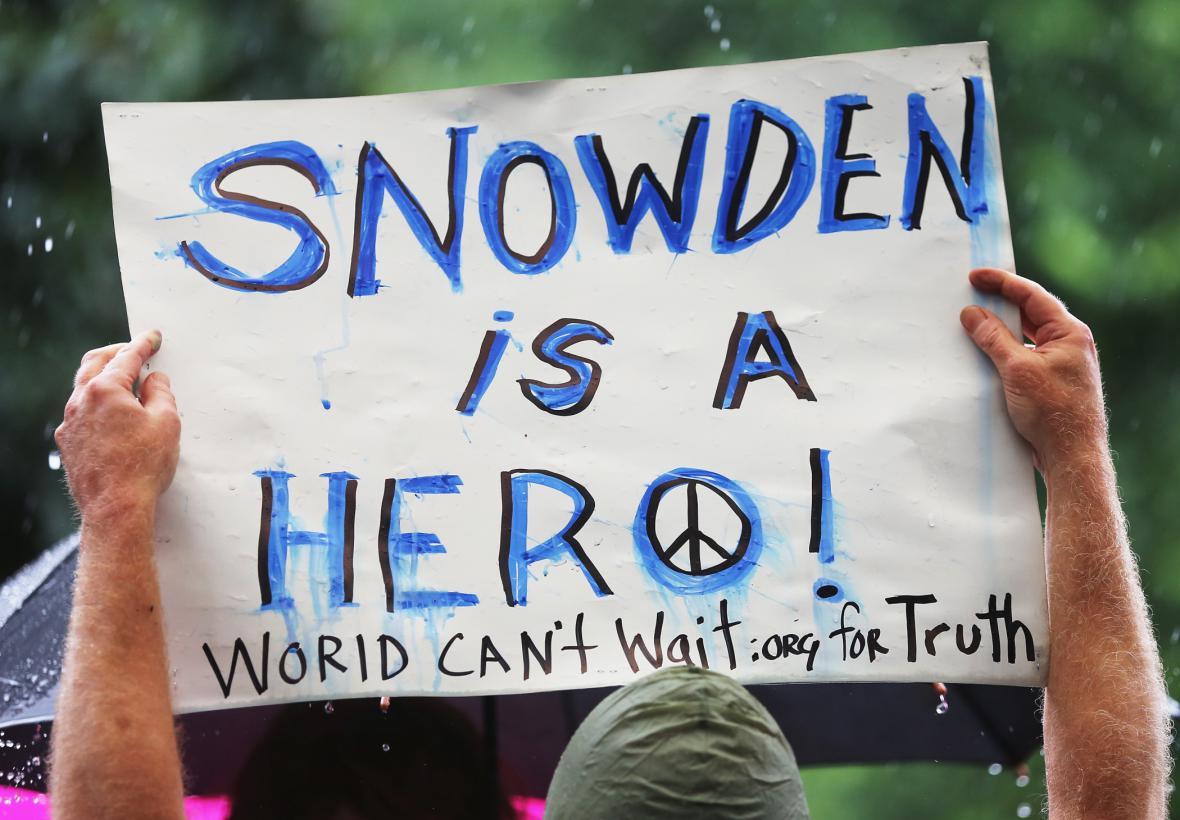 Demonstrace v New Yorku na podporu Edwarda Snowdena