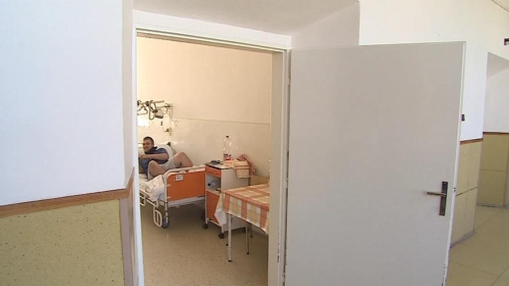 Složitější zákroky obstarají nemocnice v Břeclavi a Brně