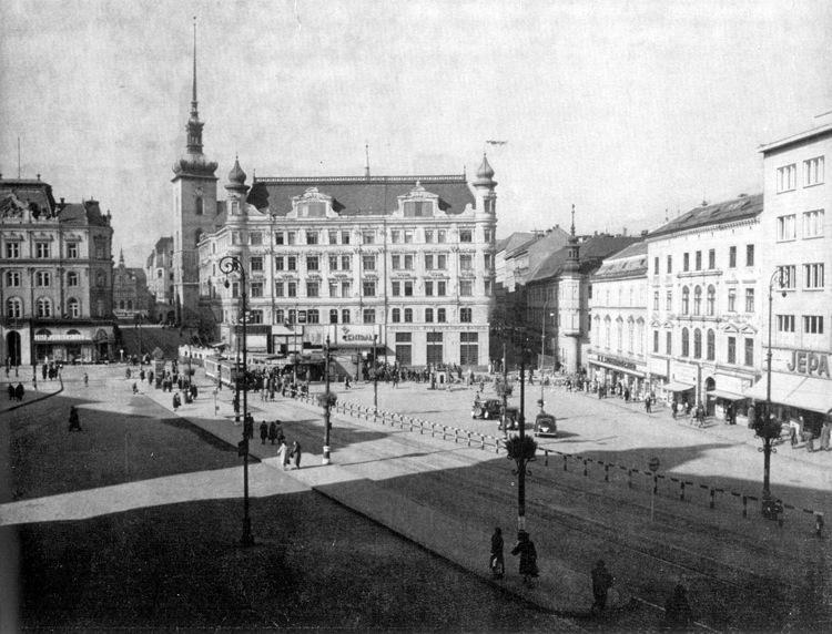Pohled na náměstí Svobody ve 30. letech