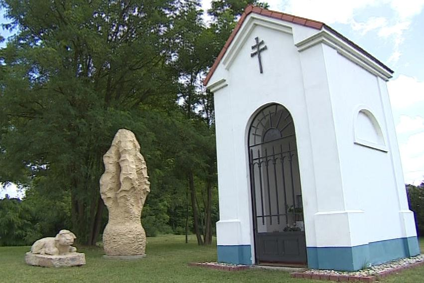 Pro kapli letos vznikne socha Marie s Ježíškem