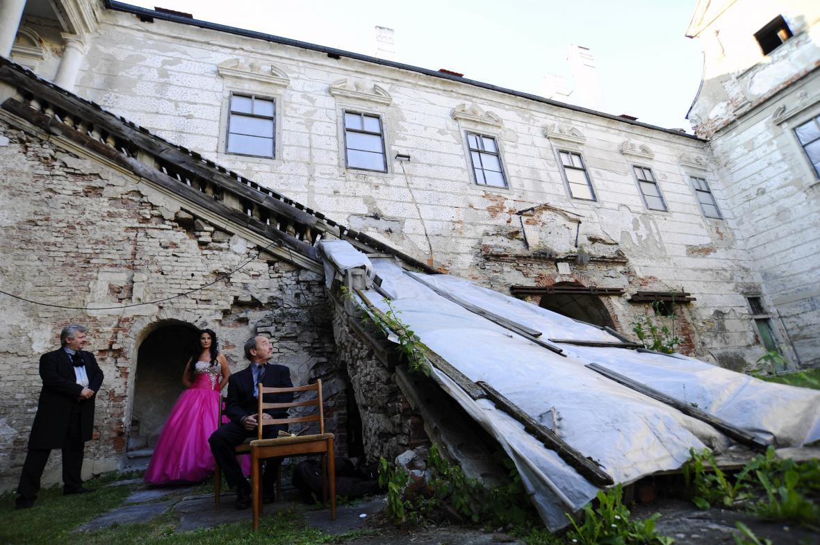 Zámek v Uherčicích potřebuje na opravu stamiliony
