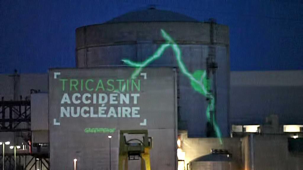 Protest Greenpeace proti elektrárně Tricastin