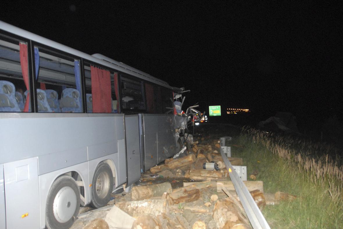 Nehoda českého autobusu v Srbsku