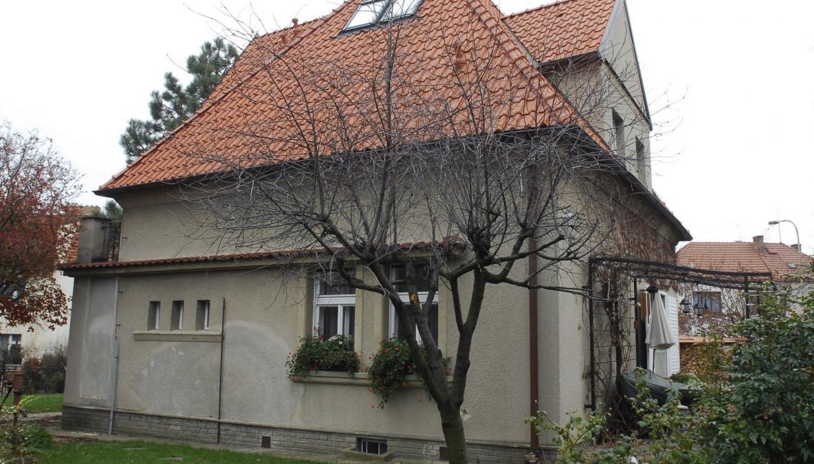 Bémova vila ve Vokovicích (na snímku z 22. 11. 2007)