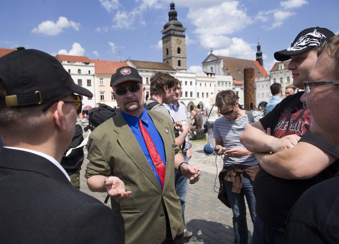 Organizátoři demonstraci zrušili. Na snímku je zprostředkovatel komunikace mezi radnicí a pořadateli Jaromír Pytel.