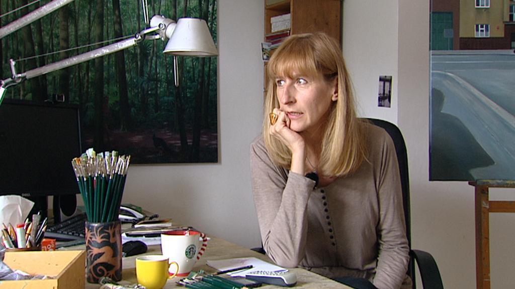 Ivana Lomová v ateliéru