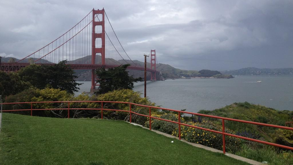 Sanfranciský záliv s mostem Golden Gate