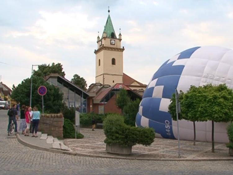 Start balónu je atrakce pro kolemjdoucí