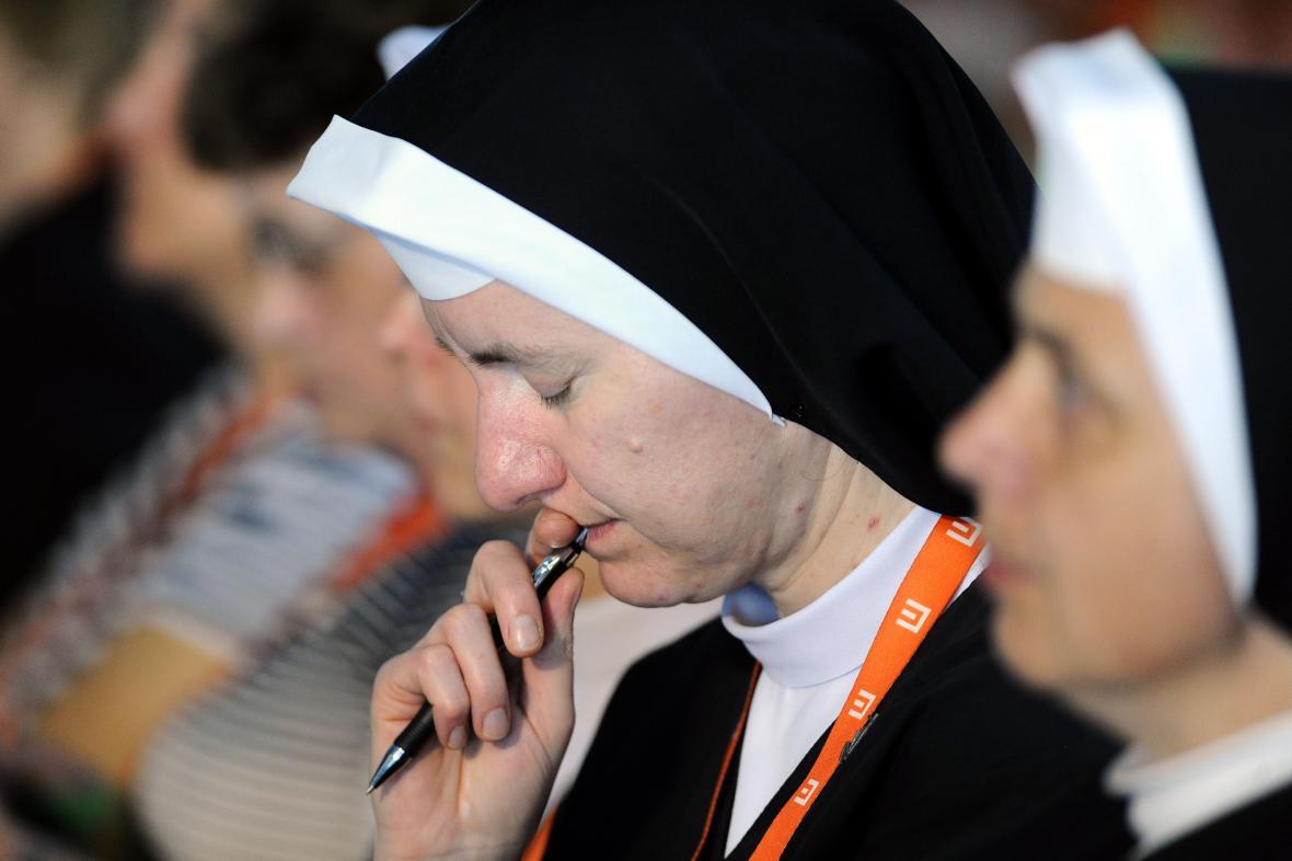 Základem charismatického hnutí je modlitba