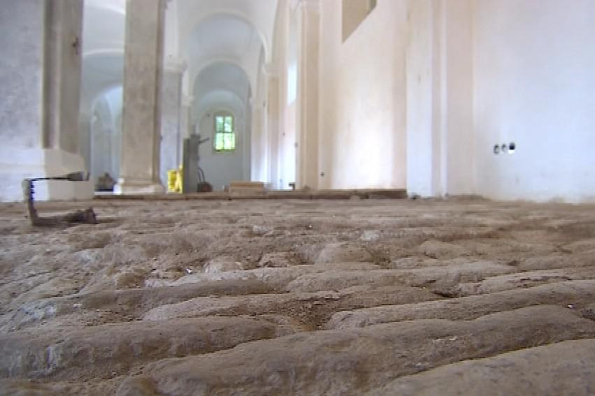 Původní podlahy jsou jedny z největších v Evropě