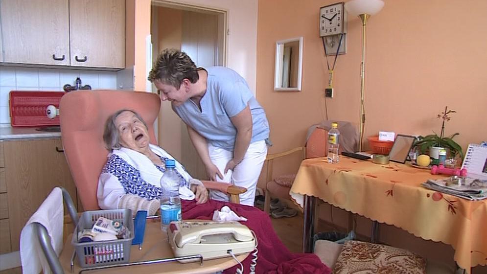 Proškolení klienti úřadu práce budou za seniory dojíždět