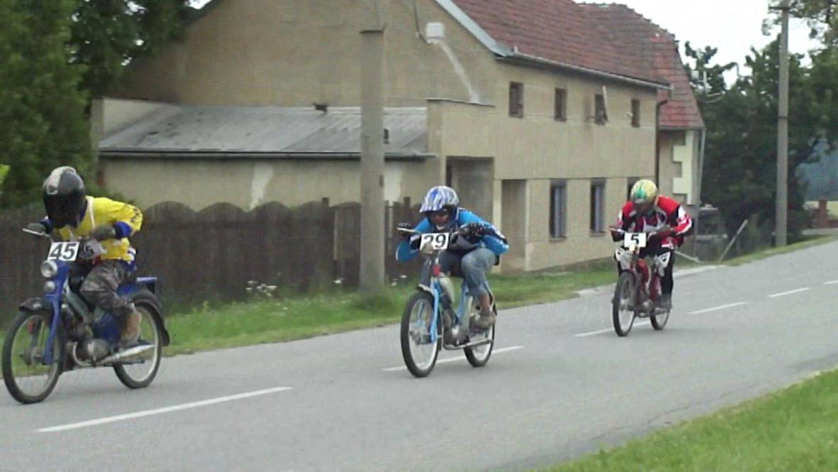 Závod mopedů na Vyškovsku