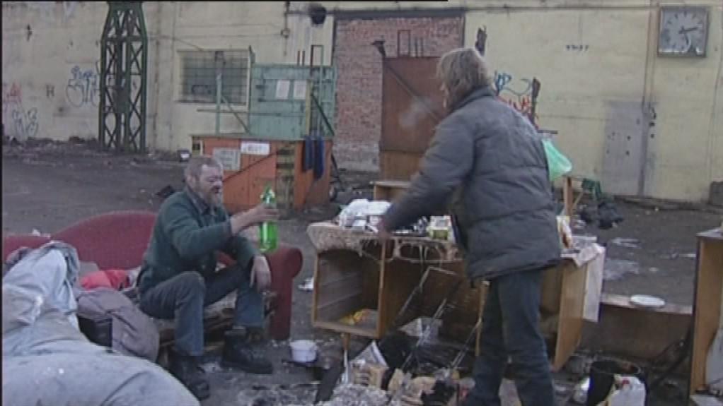 Bezdomovci se ukrývají v opuštěných areálech