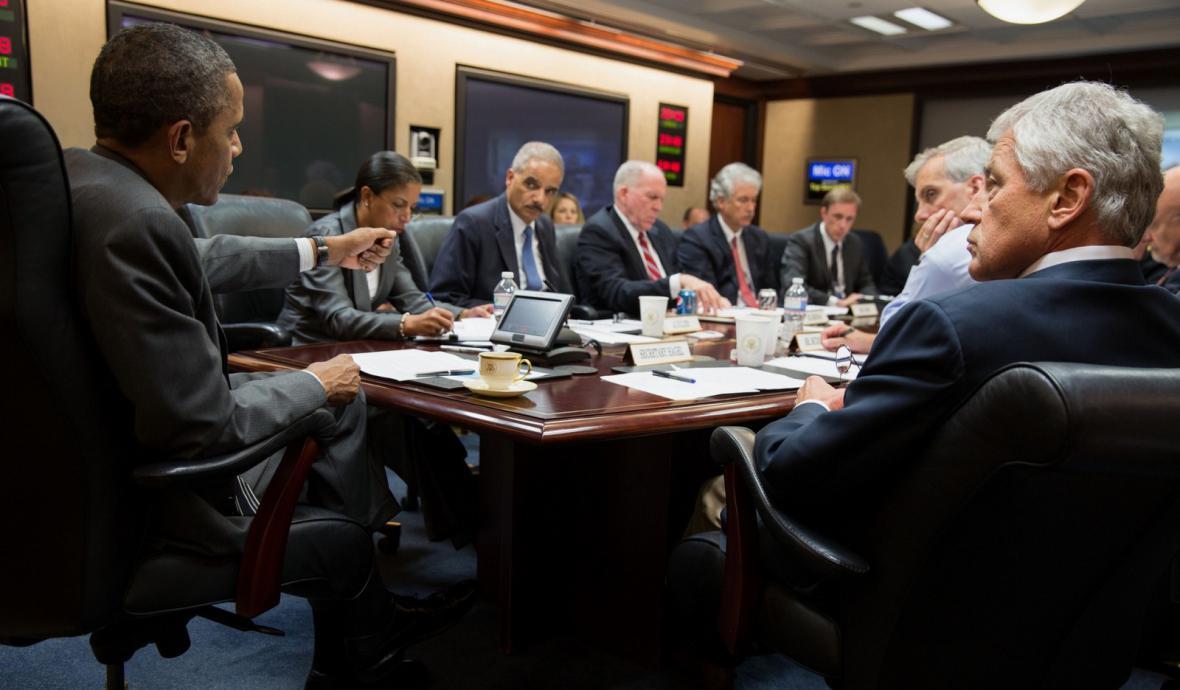 Obama debatuje s poradci o situaci v Egyptě