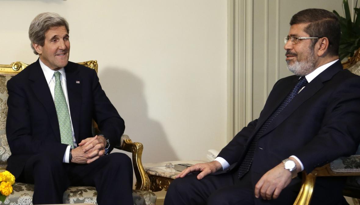 John Kerry a Muhammad Mursí