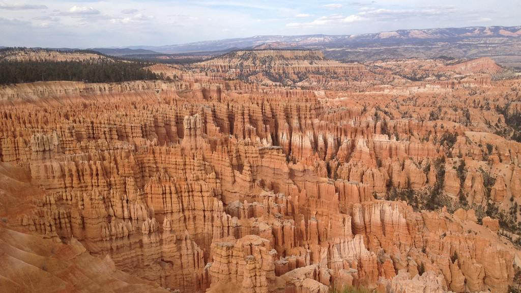 Bryce Canyon působí jako zkamenělé město