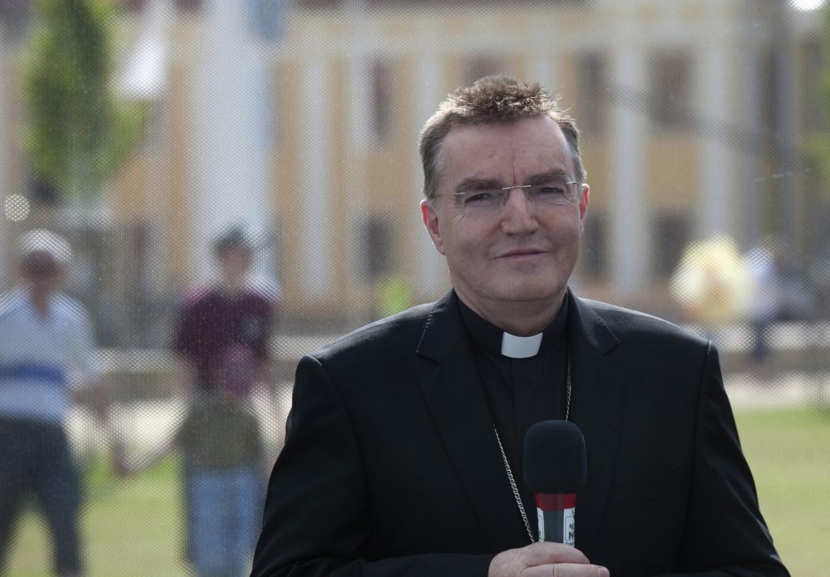 Kardinál Josip Bozanić zahájil mši v češtině