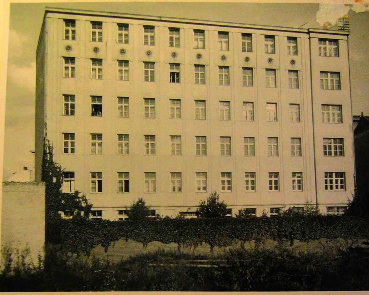 Pohled na fasádu ze dvora