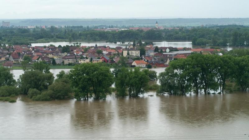 Pohled na České Kopisty a Terezín