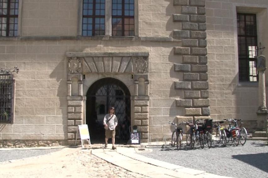 Zámek v Telči vybírá peníze i za vstup do areálu