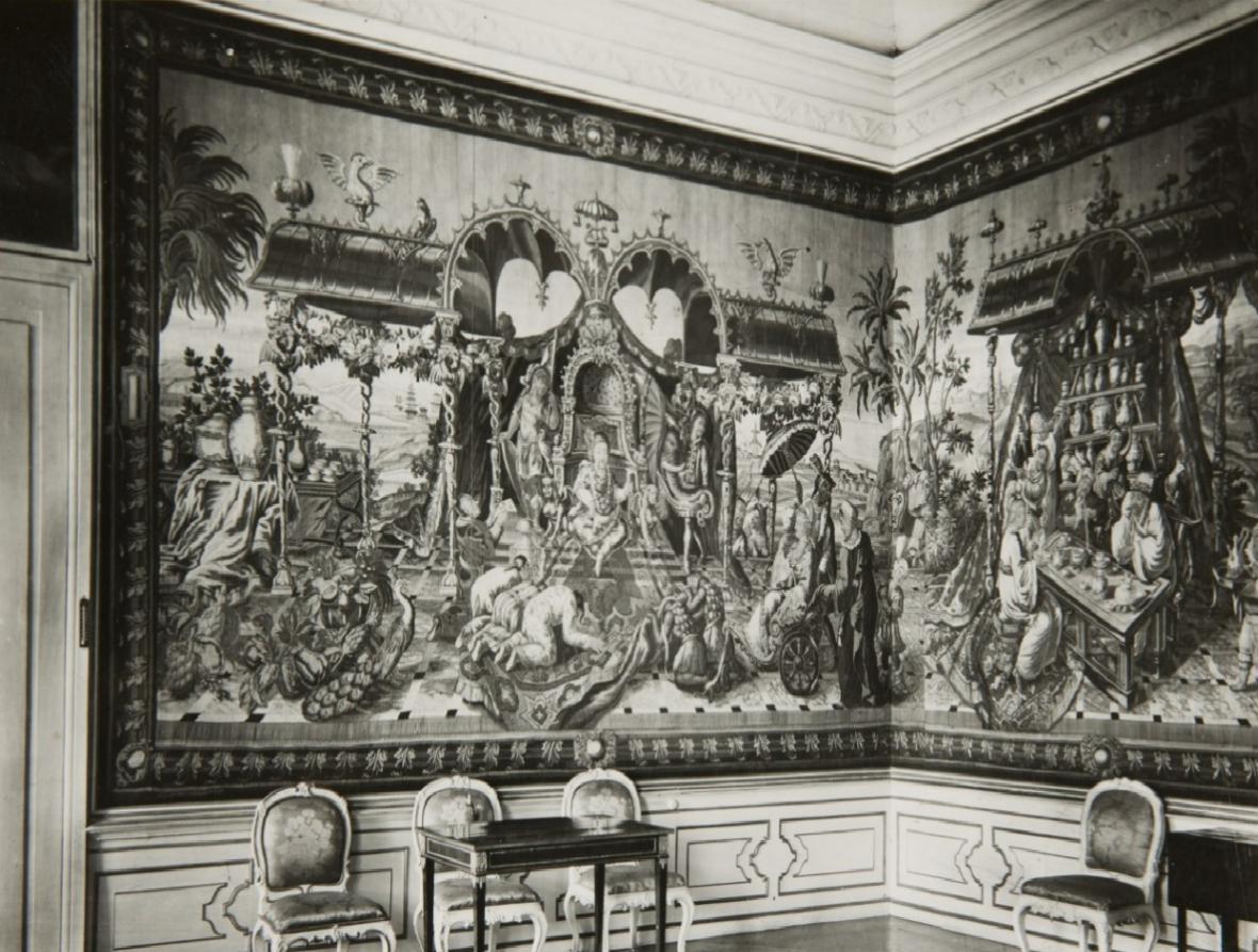 Takhle vypadal gobelínový pokoj před válkou