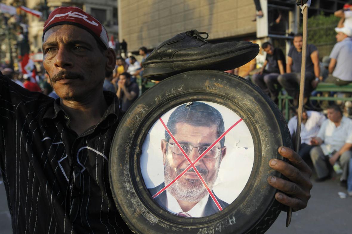 Pryč s Mursím, žádají Egypťané
