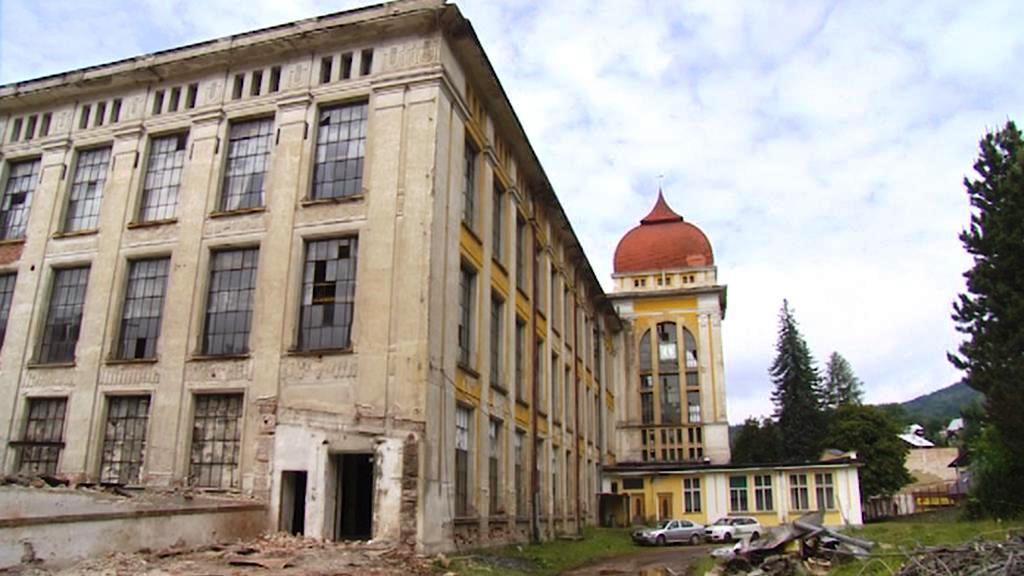 Opuštěná továrna v Rokytnici nad Jizerou