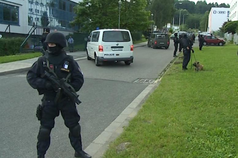 Bezpečnostní manévry během soudu s Miroslavem Maslákem