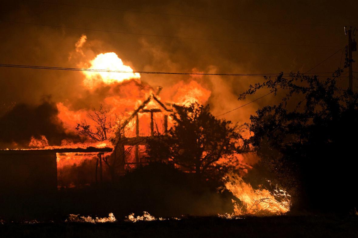Arizonu zachvátil silný požár